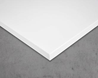 De voorzijde van het paneel is afgewerkt met een hoogwaardige poedercoating met glad gematteerd oppervlak in kleur signaalwit (RAL 9003).